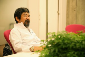 岡田先生2(化学科主任)